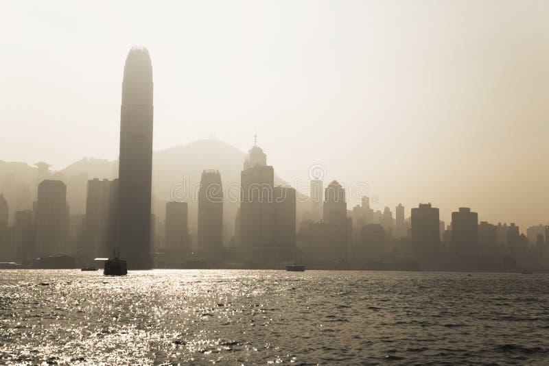 Moderne Wolkenkratzer in im Stadtzentrum gelegenem Hong Kong stockfotografie
