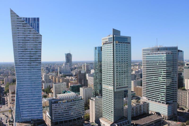 Moderne Wolkenkratzer von Warschau Polen lizenzfreies stockbild