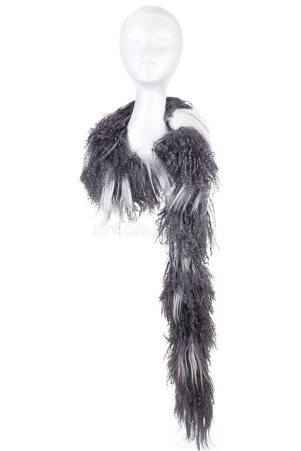 Moderne wollen Sjaal op een wit die Doll hoofd op witte Achtergrond wordt geïsoleerd royalty-vrije stock afbeeldingen