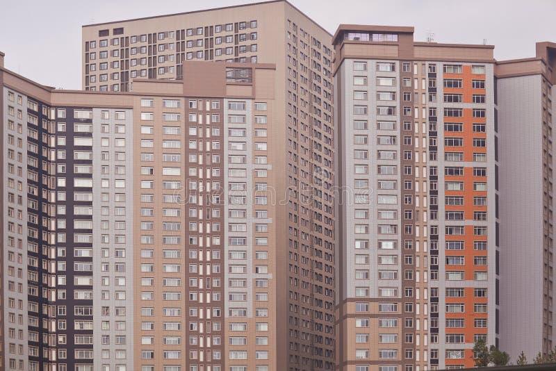 Moderne woon complex in Astana kazachstan royalty-vrije stock afbeeldingen
