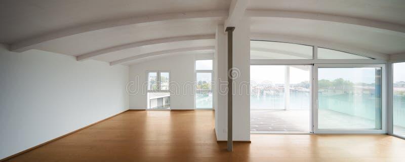 Moderne zolder, lege woonkamer royalty-vrije stock foto