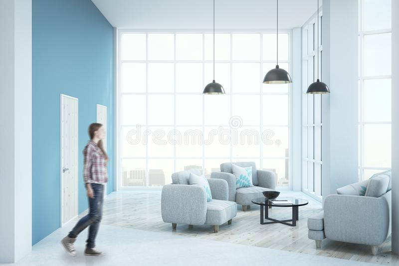 Moderne zonnige woonkamer stock foto