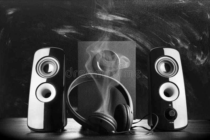 Moderne zwarte correcte sprekers stock foto
