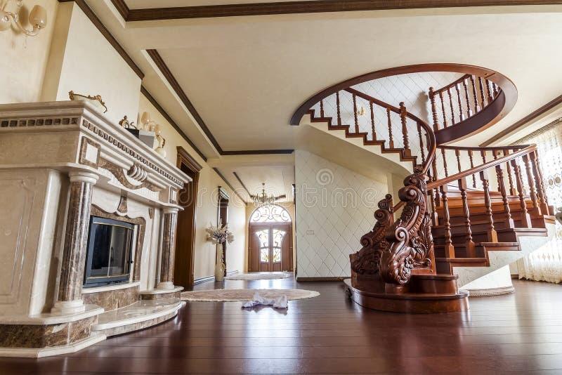 Moderner Architekturinnenraum mit klassischer eleganter Luxushalle lizenzfreie stockbilder