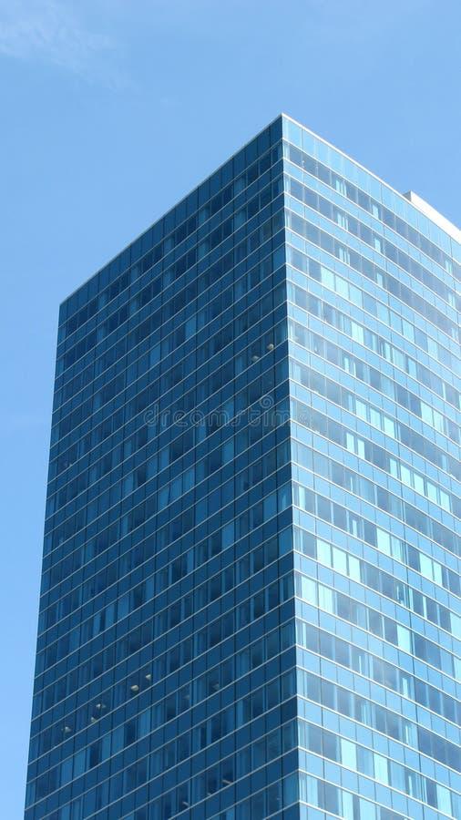 Moderner Bürowolkenkratzer lizenzfreie stockfotografie