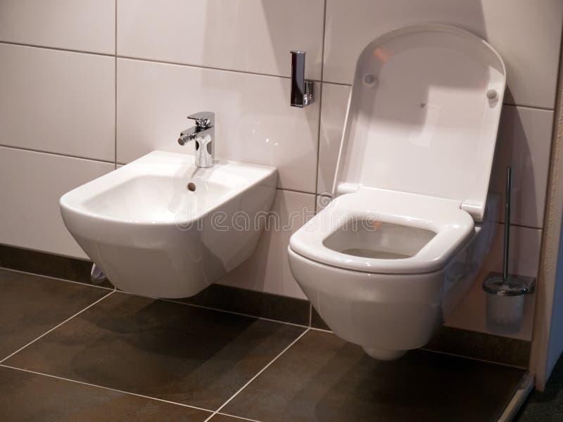 Moderner Badezimmertoilettensitz stockfotografie