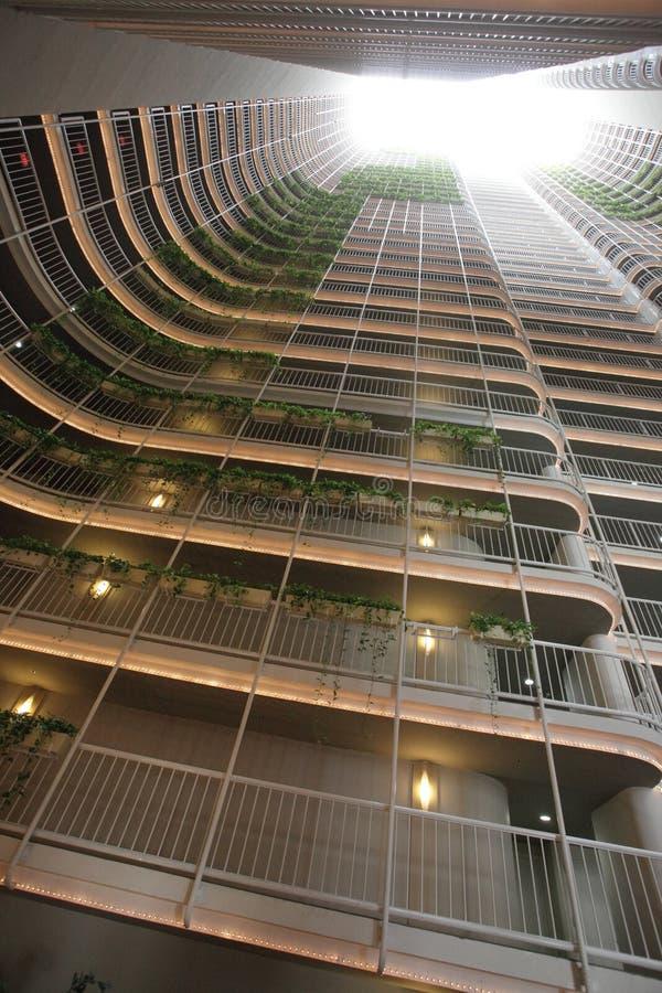 Moderner Gebäudeinnenraum lizenzfreie stockbilder