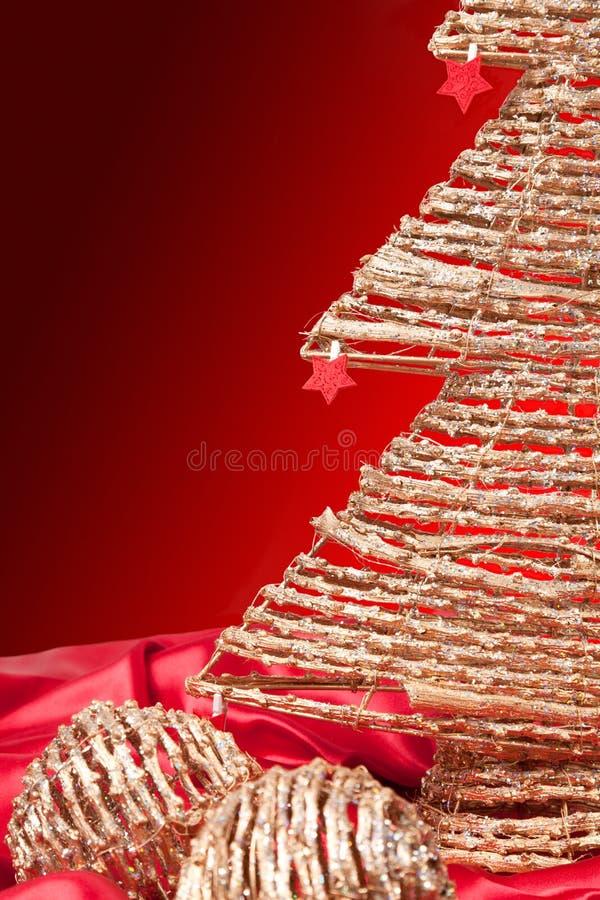 Moderner goldener Weihnachtsbaum lizenzfreies stockbild