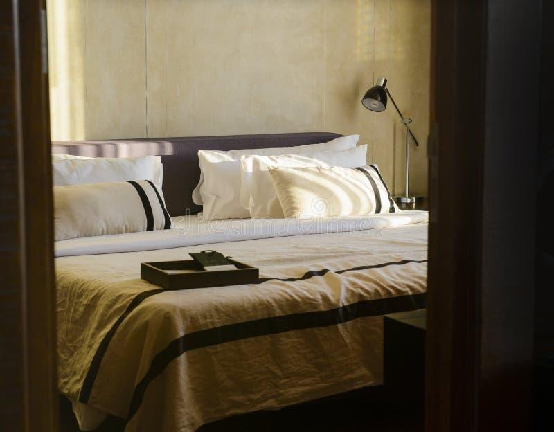 Moderner Hotelbetriebsrauminnenraum lizenzfreies stockbild