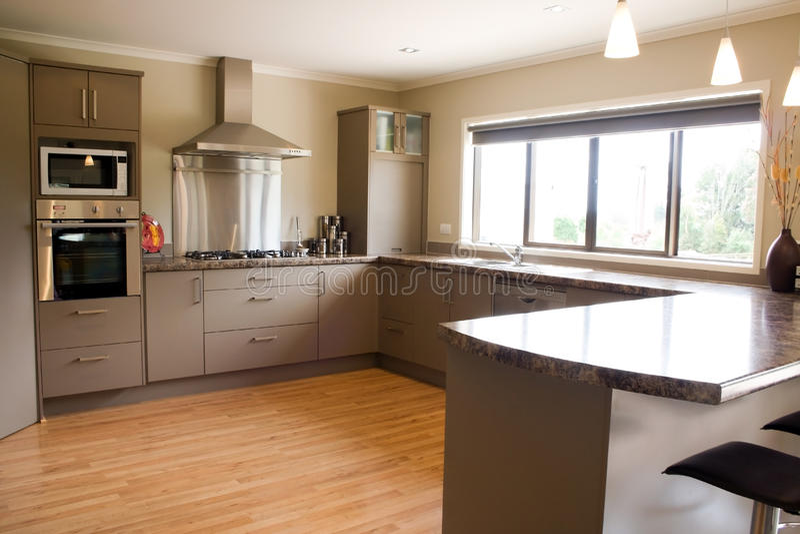 Moderner Küche-Innenraum lizenzfreie stockbilder