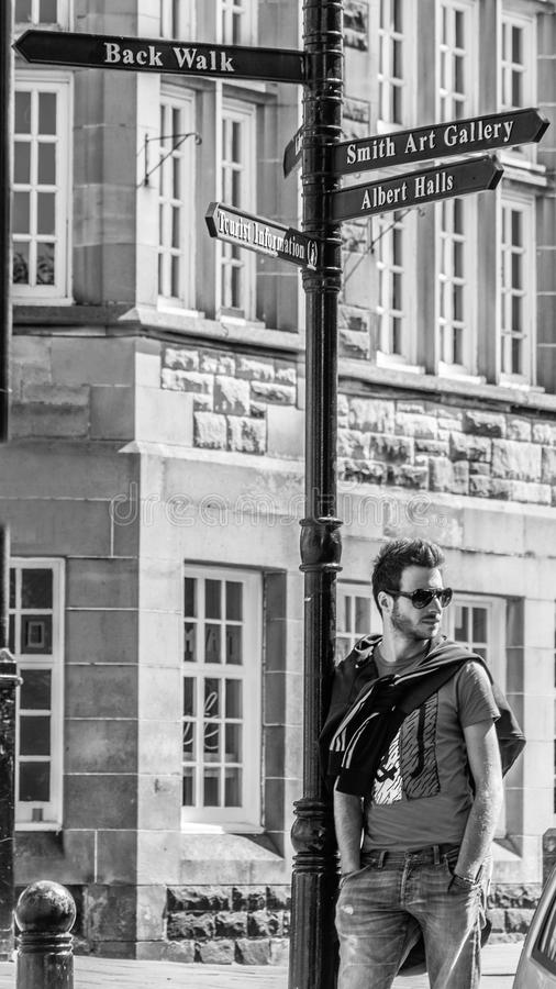 Moderner Kerl in Schottland lizenzfreies stockbild