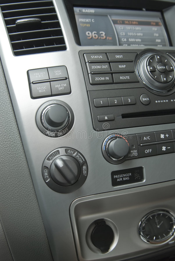 Moderner Luxuxautoinnenraum lizenzfreie stockbilder