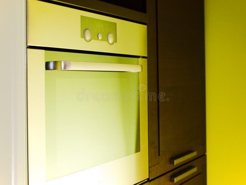 Moderner nicht rostender Ofen lizenzfreie stockfotos