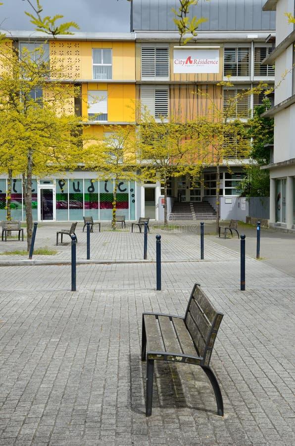 Moderner Patio im französischen Stadt Bordeaux lizenzfreie stockfotografie