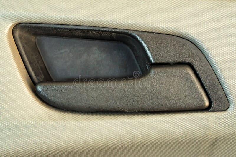 Moderner Plastikautotürgriff aus Abschluss heraus lizenzfreies stockfoto