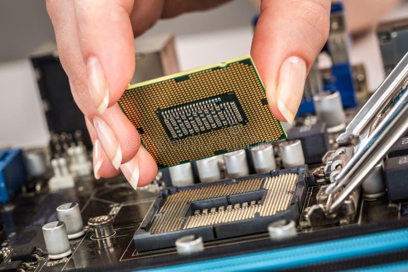 Moderner Prozessor und Motherboard stockbild