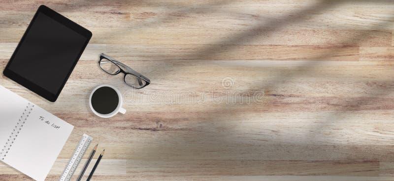 Moderner Schreibtischarbeitsplatz mit Versorgungen mit Kopienraum Morgensonnenform auf Tabelle, Draufsicht stockfoto