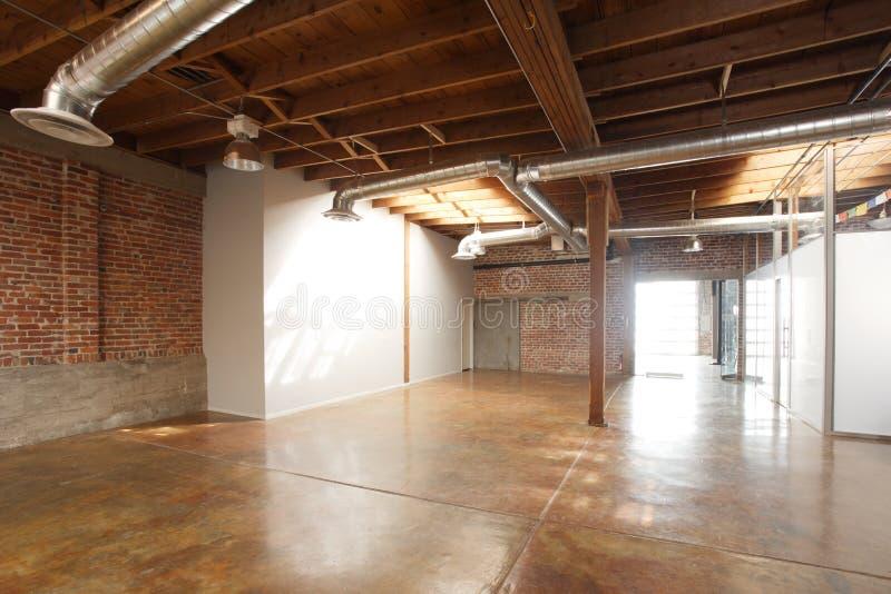 Moderner Studiodachboden stockfotos