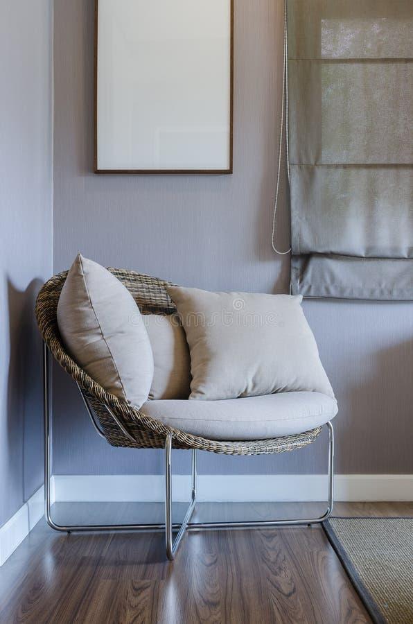 Moderner Stuhl Im Schlafzimmer Stockfoto - Bild von lebensstile ...
