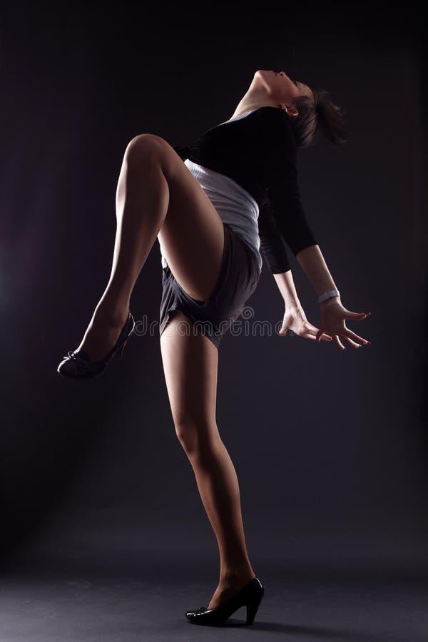 Moderner Tänzer der kühlen Frau lizenzfreie stockbilder