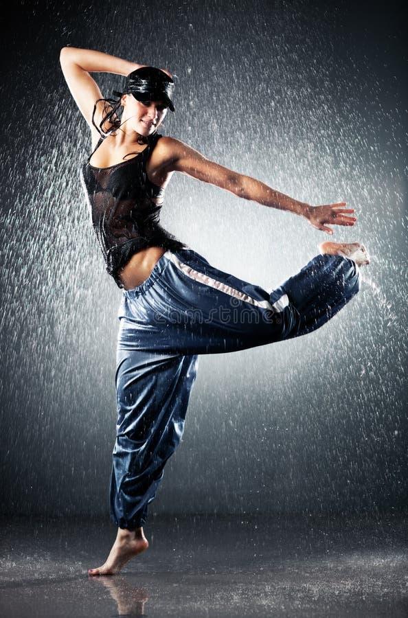 Moderner Tanz der jungen Frau lizenzfreie stockbilder