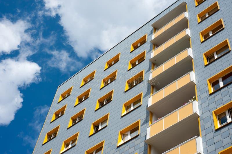Moderner Wohnblock lizenzfreie stockfotografie