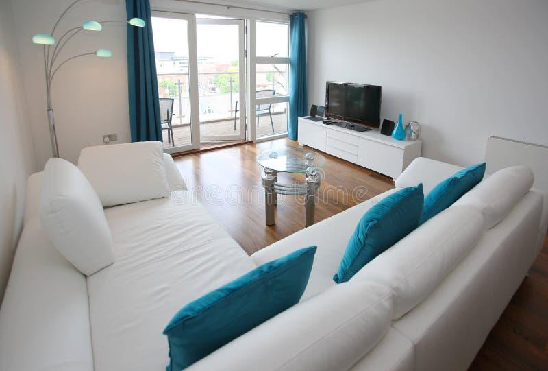 Moderner Wohnzimmer-Innenraum stockfotos