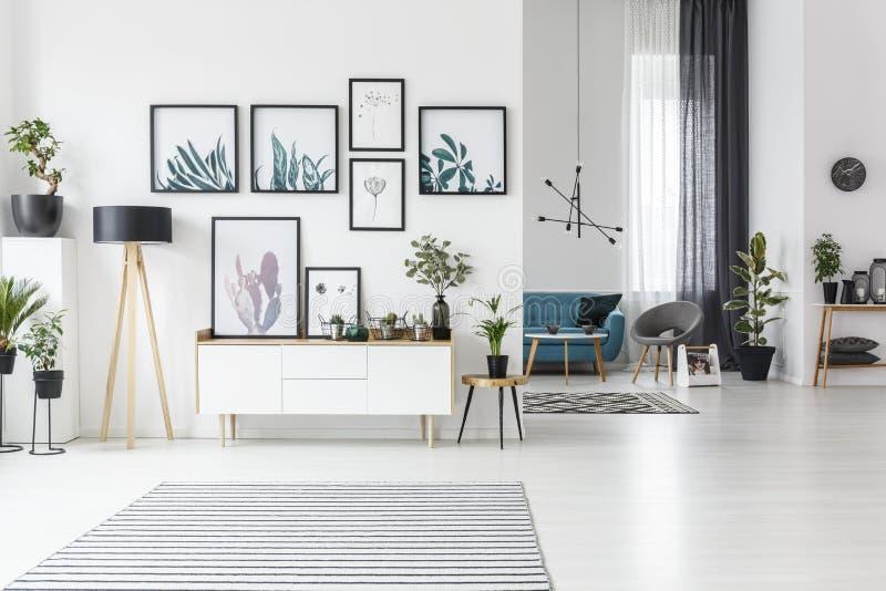 Moderner Wohnzimmer-Innenraum stock abbildung