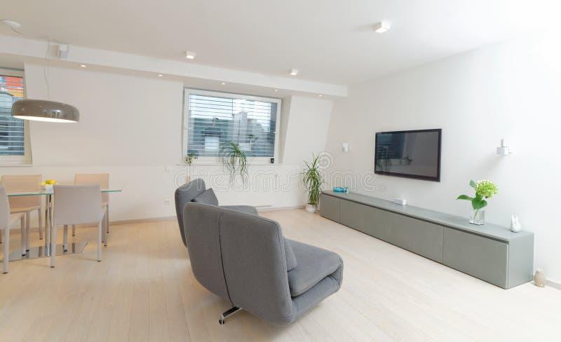 Moderner Wohnzimmerinnenraum stockbilder