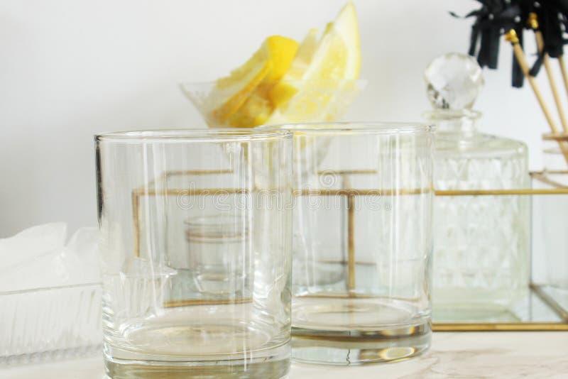 Modernes Abendessen und Cocktails lizenzfreies stockfoto