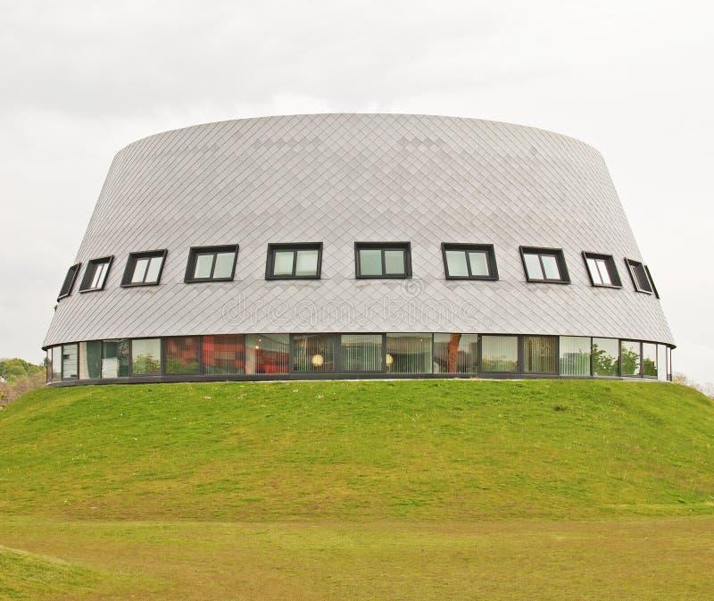 Modernes akademisches Gebäude stockfotos
