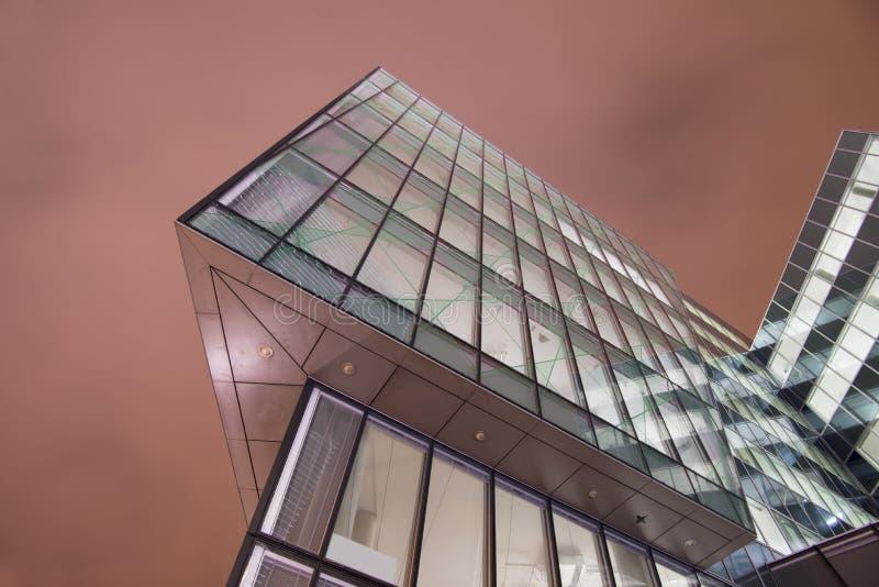 Modernes Bürogebäude lizenzfreie stockbilder