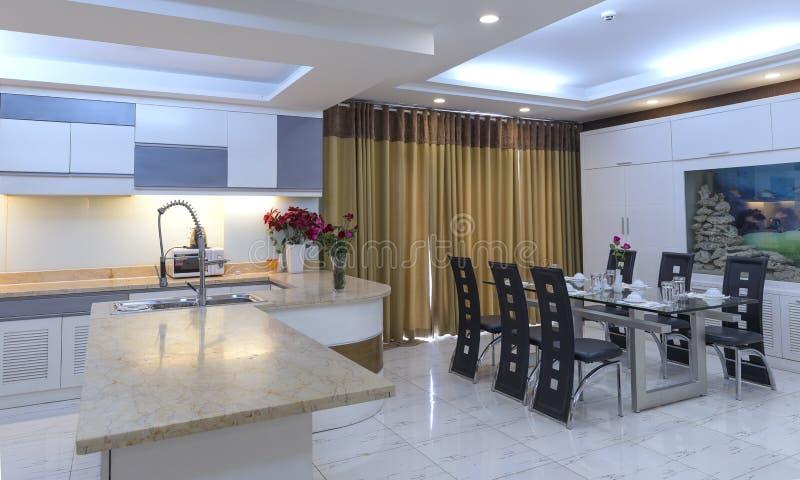 Download Modernes Esszimmer, Küche In Den Luxuswohnungen Stockfoto   Bild  Von Haupt, Haus:
