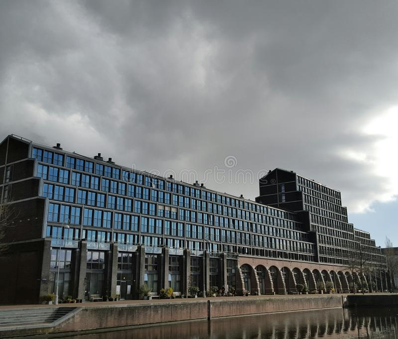 Modernes Gebäude, Amsterdam, Holland stockfotos
