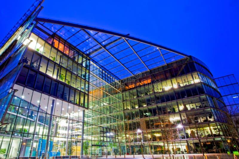 Modernes Gebäude HDR lizenzfreie stockbilder