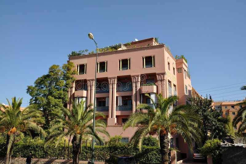 Modernes Gebäude in Marrakesch stockfotos