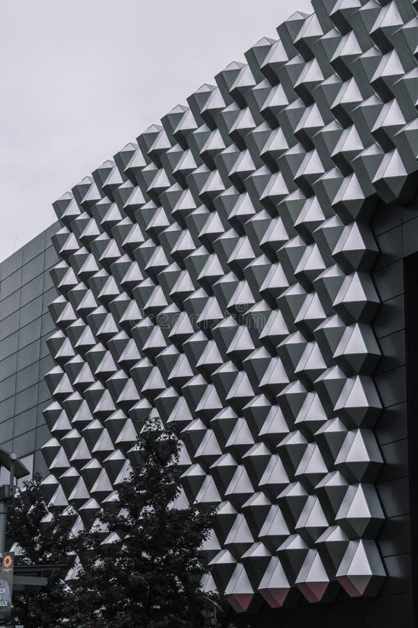 Modernes Gebäude, Spitzen stockfotos
