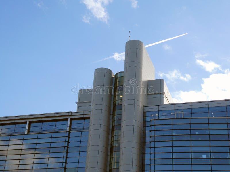Modernes Handelsgebäude lizenzfreies stockbild
