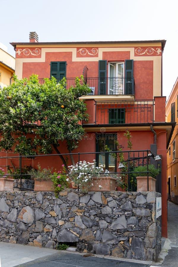 Modernes Haus in Monterosso Ligurien Italien am 22. April 2019 stockfoto
