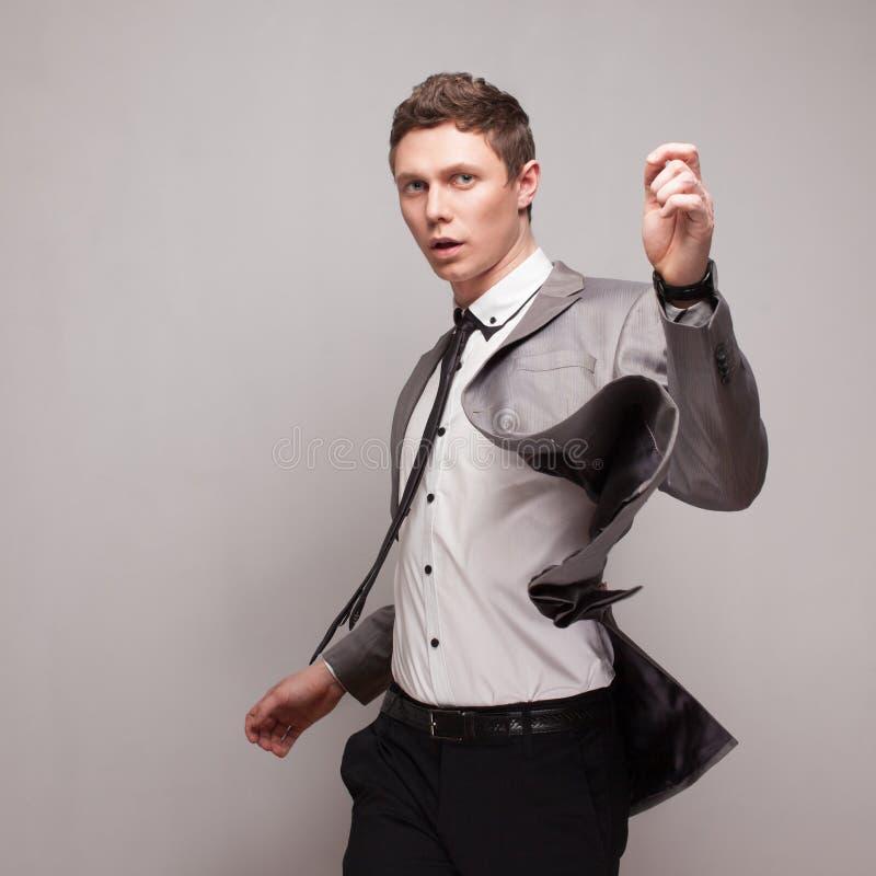 Modernes junges männliches Modell lizenzfreie stockbilder