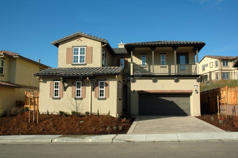 Modernes Kalifornien-Haus lizenzfreie stockfotografie