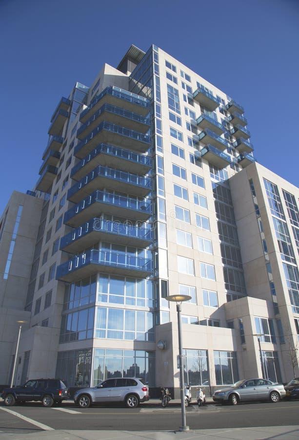 Modernes Kondominiumgebäude in Williamsburg-Nachbarschaft von Brooklyn stockfoto