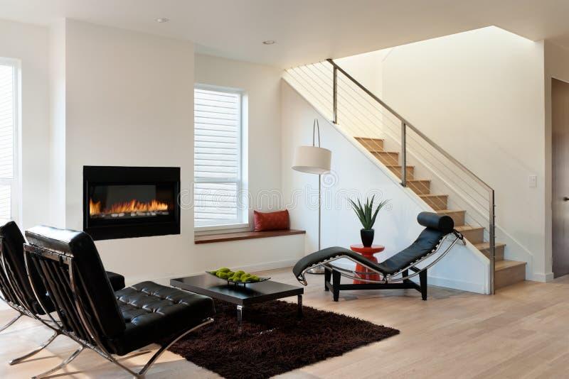 Modernes Luxuswohnzimmer stockbild