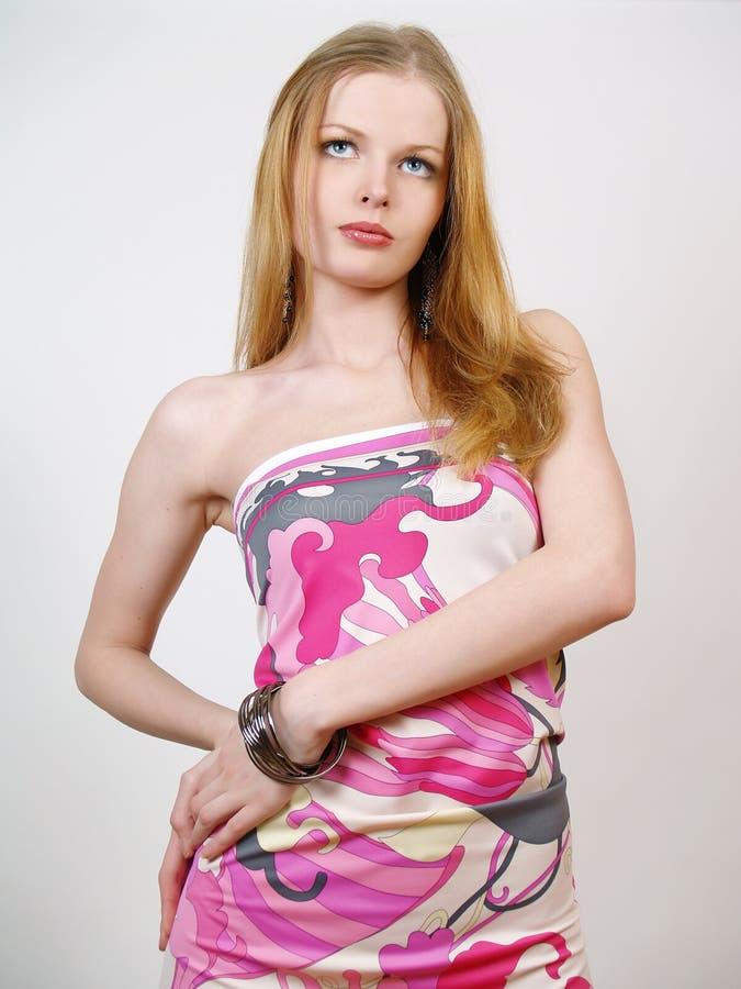 Modernes Portrait der jungen sexuellen Frau lizenzfreies stockfoto