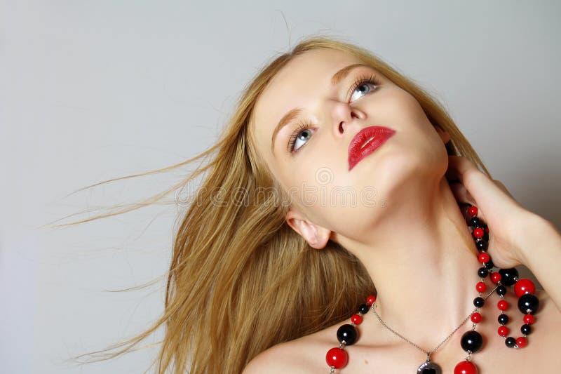 Modernes Portrait des Mädchens lizenzfreie stockfotografie