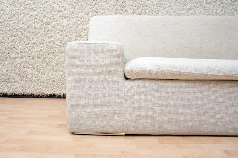 Modernes Sofa stockfoto