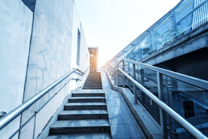 Modernes Stadtarttreppenhaus stockfoto