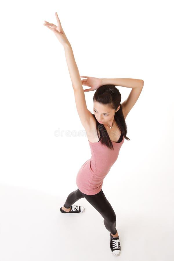Modernes Tanzen der jungen Frau lizenzfreie stockbilder