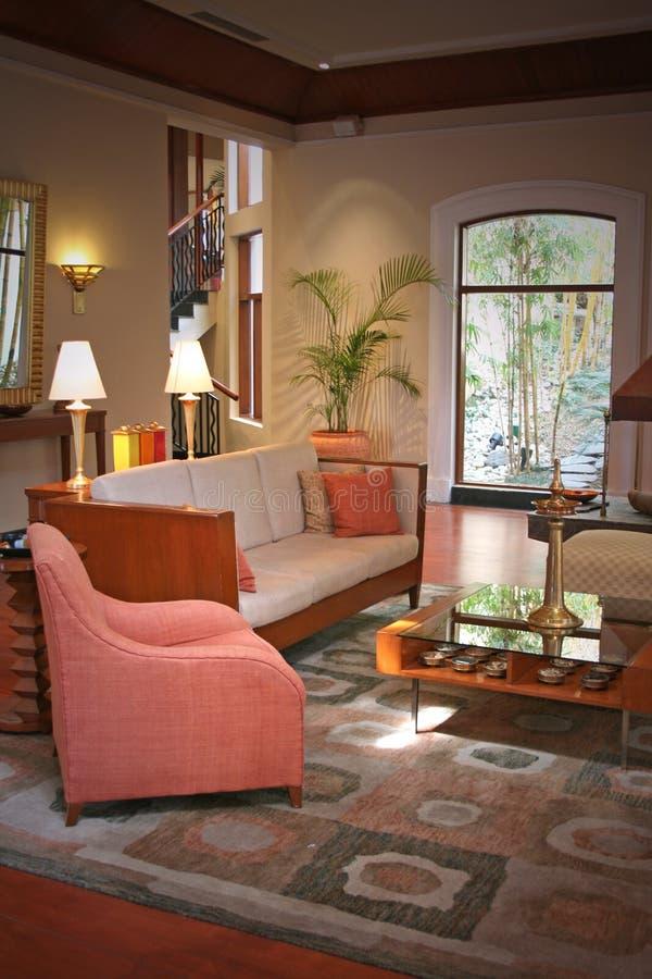 Modernes Wohnzimmer und Lebensstil lizenzfreie stockbilder
