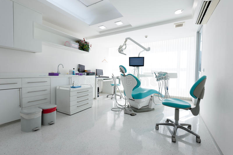 Modernes zahnmedizinisches Kabinett stockfoto